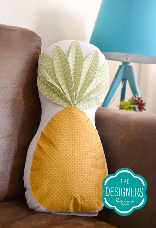 Personalizando tecidos com a Silhouette - almofada personalizada