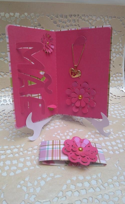 Presentes personalizados com a SIlhouette. Cartão dia das mães