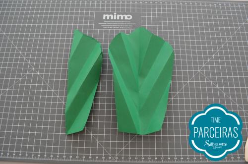 Como fazer uma árvore de natal de papel - faça você mesmo