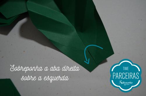 Como fazer uma árvore de natal de papel - árvore decorada