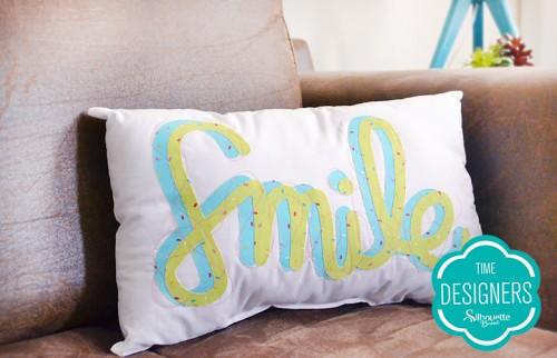 Personalizando tecidos com a Silhouette - almofada personalizada com transfer