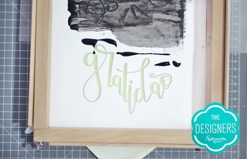 Como Fazer Pintura com Stencil: Passo a Passo - Coloque tinta na arte vazada