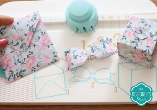 Como Agregar Valor na Papelaria Personalizada - Base Punch Board Multi com Furador e Vinco para Criação de Envelopes, Caixas e Laços We R