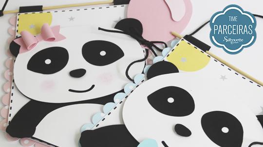 Casal fofurinha de flâmulas pandas pronto