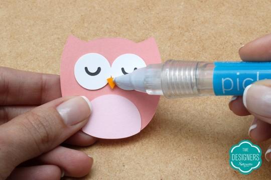 Use a Ferramenta de Pegar Papéis para Pegar os Recortes Menores