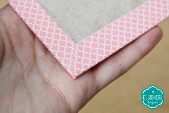 Abinhas coladas na parte de dentro do papel paraná