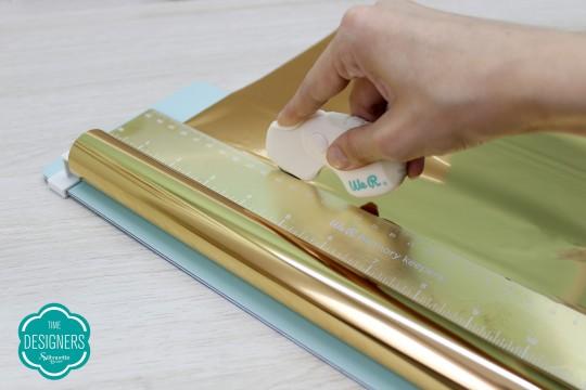 Corte a Folha de Foil em Rolo Dourado We R