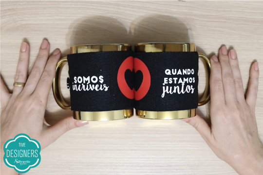 Par mug hugs prontos enfeitando canecas casal